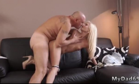 Blonde and lower class babe scissoring
