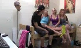 Anual babes sucking strippers dildos