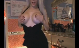 Spitroasted babe knows how to excitement her pussy and let her mind get turned to the men