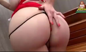 Petite, round ass bimbo got throatfucked while the other girls were having a group sex adventure