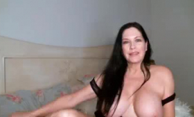 Curvaceous Busty Cougar Playing With Her Cunt